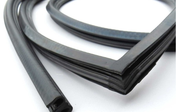 71257 70-78 240Z Door Weatherstrip