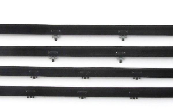 61252 87-98 Bronco Beltline Kit Front Door